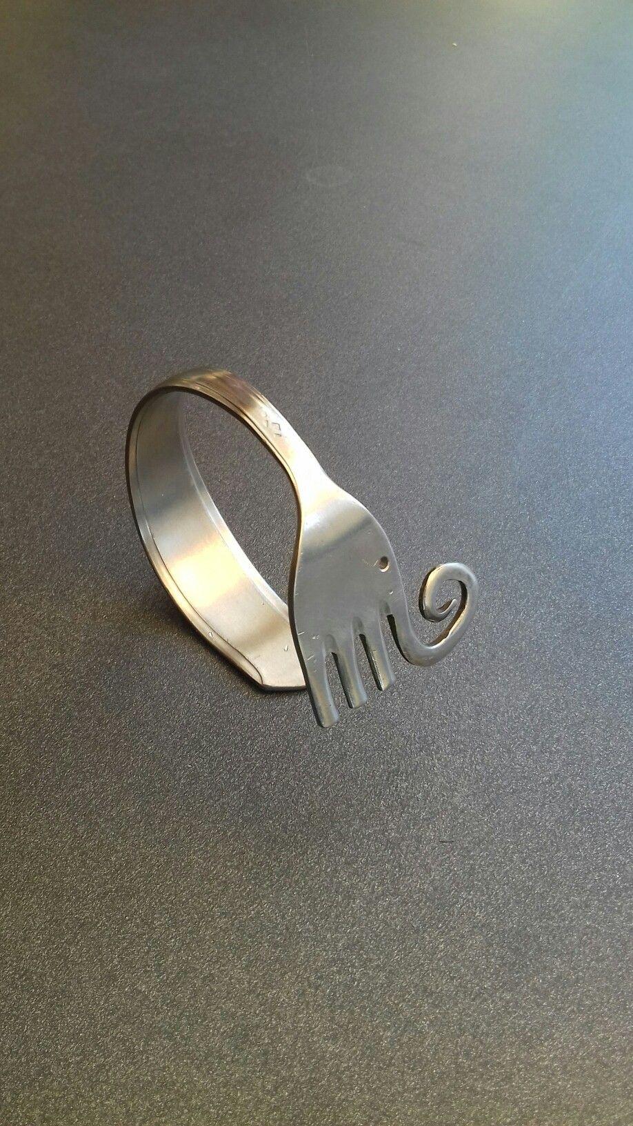 100% autentico c45f1 8d6a4 bracciale con forchetta in acciaio a forma di elefante   L ...