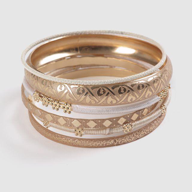 113677b2b93 Lote de pulseras. Metal fantasía dorado.