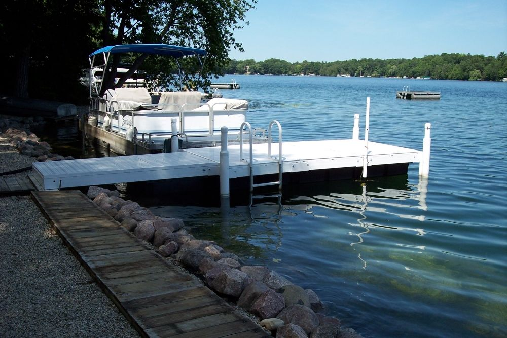 grieving parents warn against the dangers of lake electricity after daughter is killed lake dockboat - Boat Dock Design Ideas