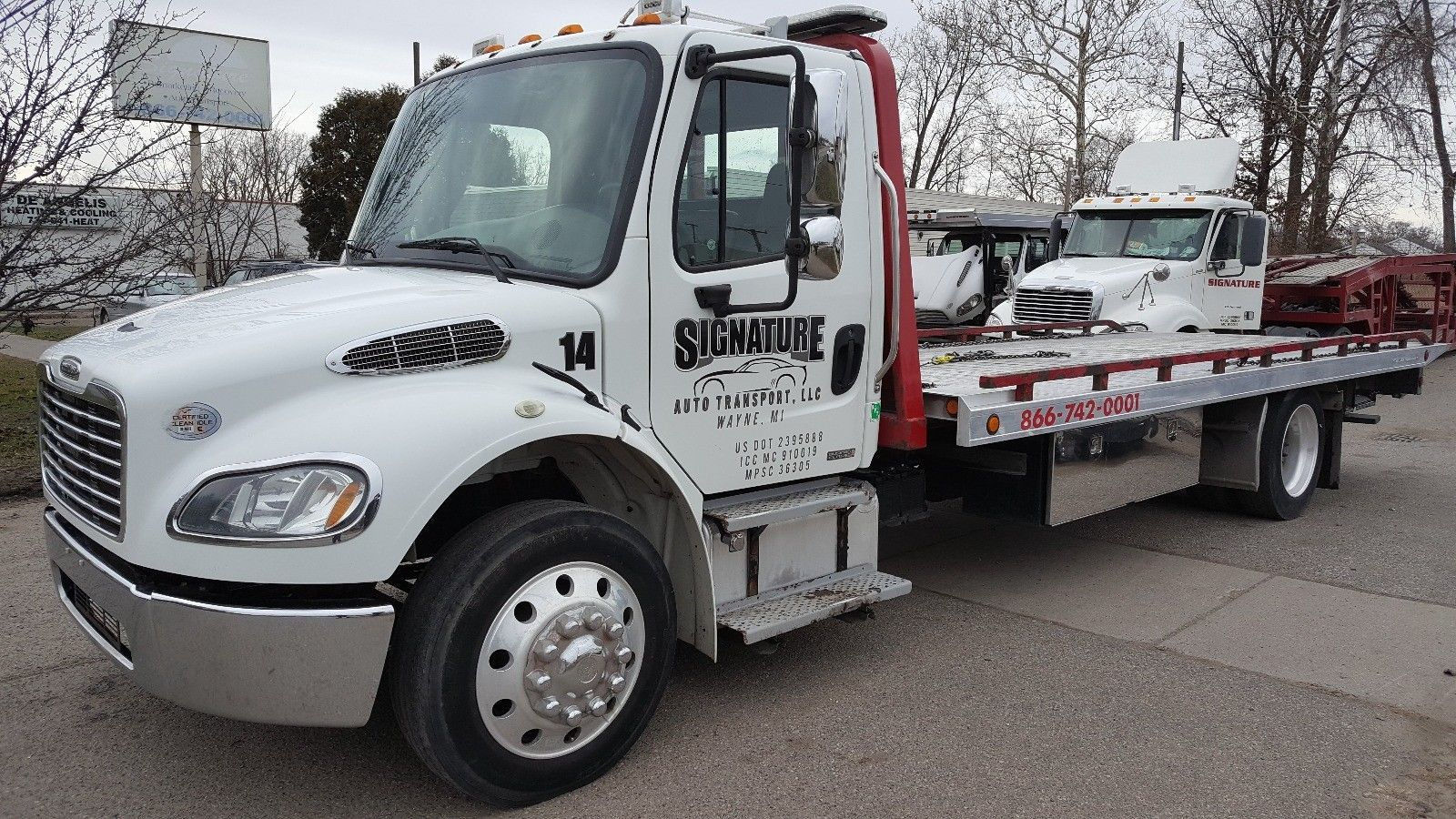 Good Condition 2011 Freightliner 2 Car Flatbed Tow Truck Flatbed
