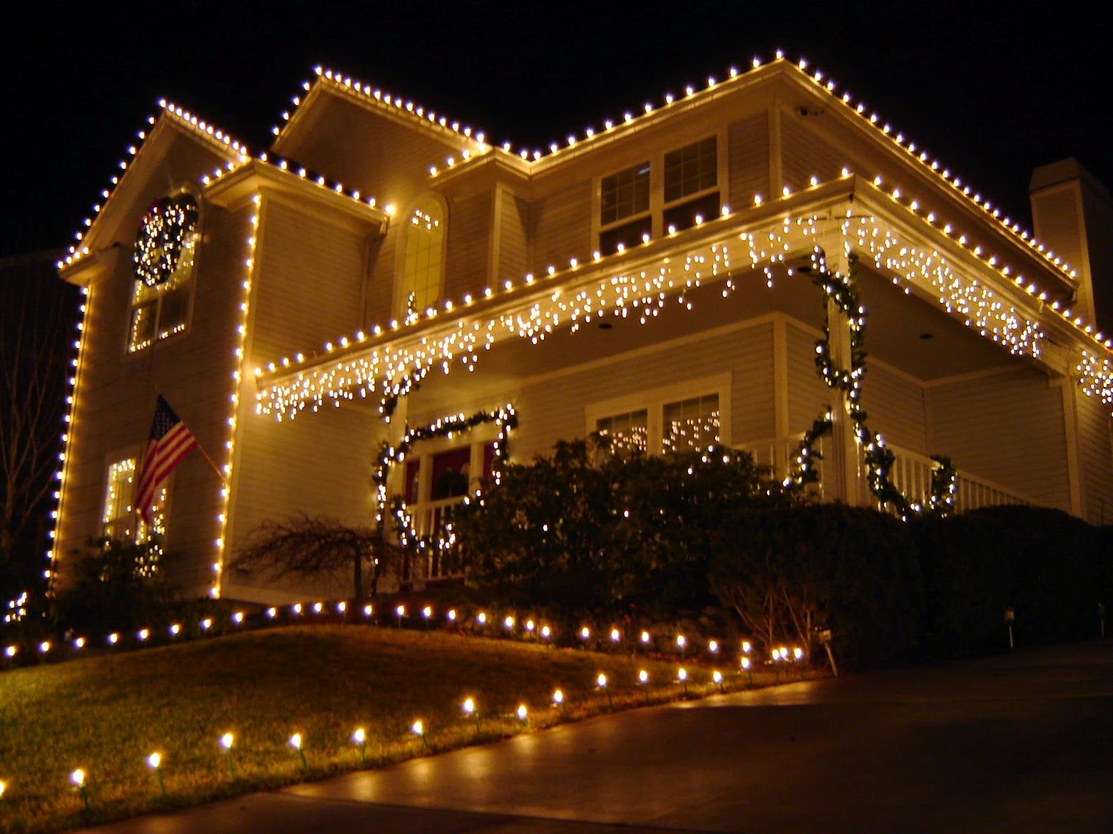Mesmerizing Image Of Outdoor Christmas Decorations With Light Decoration  Plus White Decorating Outdoor Christmas Lighting Having Gold Outdoor Clear  Light ...