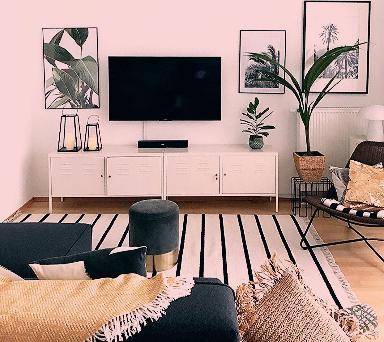 sophiagaleria - Wohn & Deko Blog #allwhiteroom Living Room with Plants #sophiagaleria #interior #urbanjungle