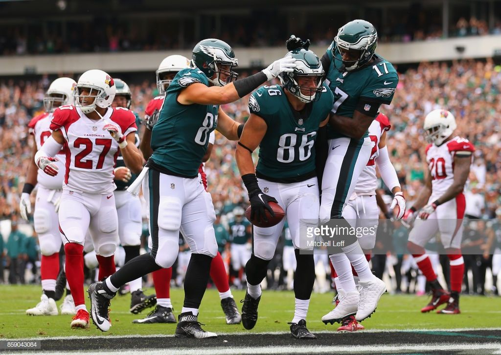 Zach Ertz of the Philadelphia Eagles celebrates scoring a touchdown ... 7075e27585
