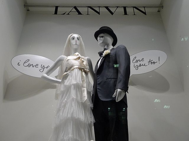 Vitrines Lanvin - Paris février 2010 by JournalDesVitrines.com, via Flickr