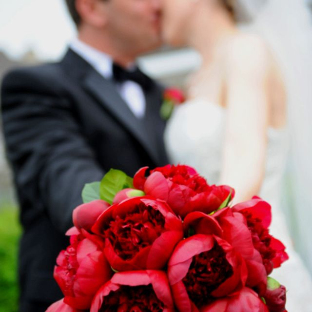Red Peony Bouquet Way more unique then red roses! Wedding ideas