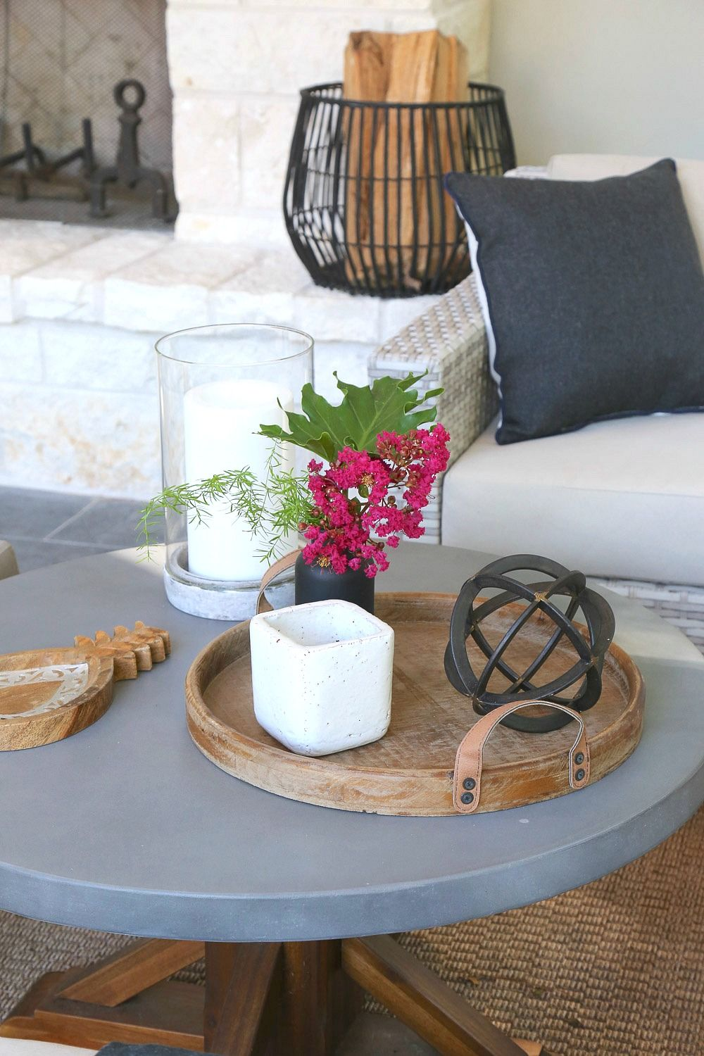 5 Minute Outdoor Decorating Tips And Tricks Decorating Coffee Tables Outdoor Coffee Table Decor Table Decorations