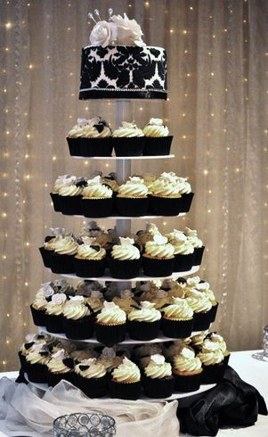 Wedding Cakes Pictures Black And White Cupcakes
