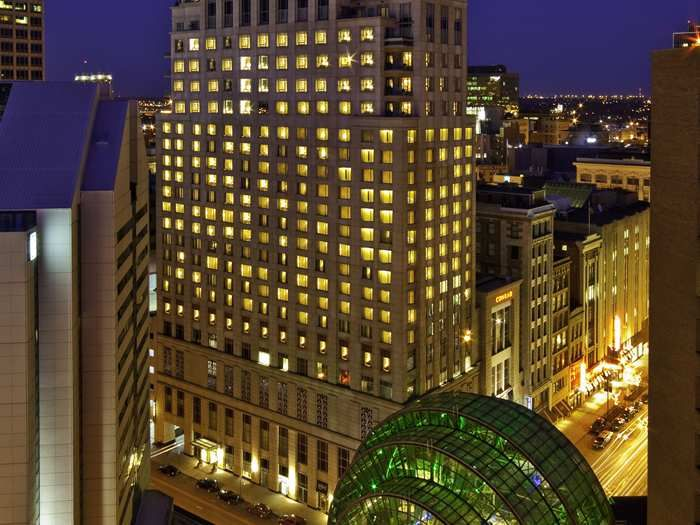Be In The Center Of Downtown During Your Next Greatgetaway At The