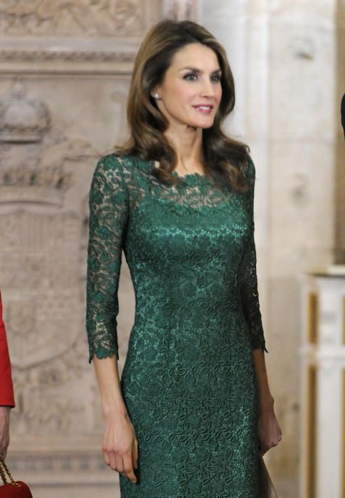 Vestidos verde esmeralda con encaje