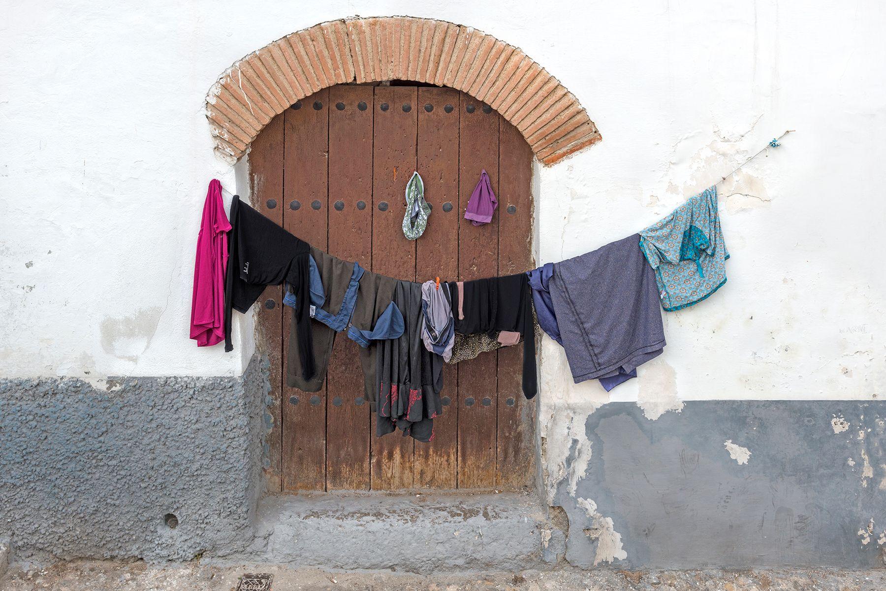 Puerta con arco de ladrillo