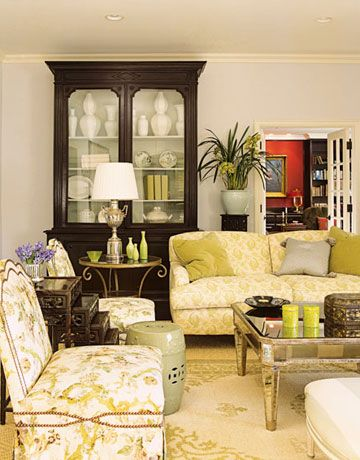 Here\'s How to Decorate a Family Room Everyone Will Actually Want to ...