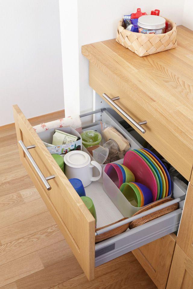 大型の食器棚や吊り戸棚がなくても片づく オープンキッチンの収納例 オープンキッチン 収納 アイデア 収納