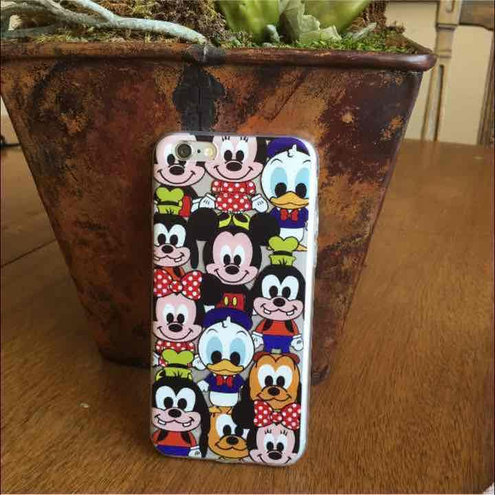 Adorable Disney Mickey and friends iPhone 6/6s Case