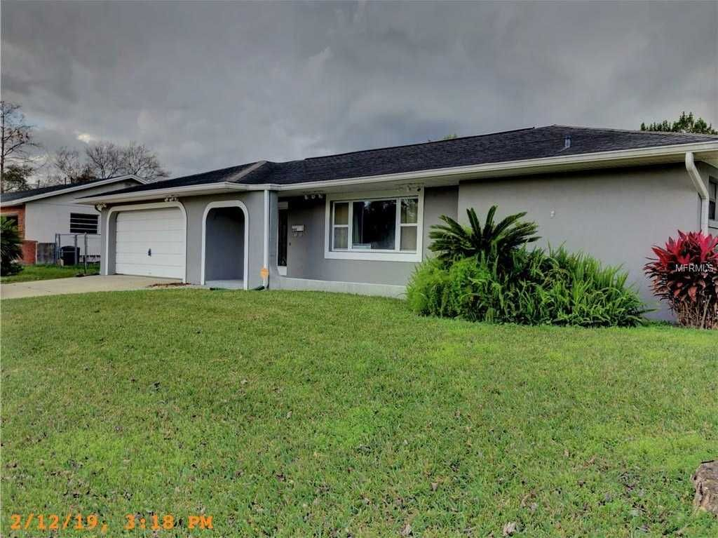 Well Maintained 4 Bed 2 Bath Pool Home For Rent In Altamonte Springs San Sebastian Heights Neighborhood Clos Renting A House In Ground Pools Custom Built Ins