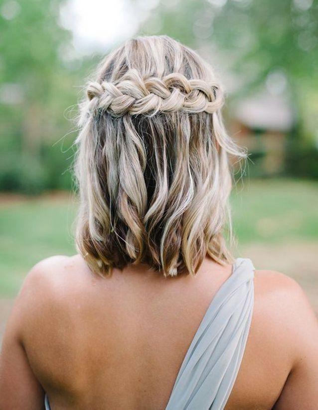 Coiffure demoiselle d'honneur cheveux carré Hair looks