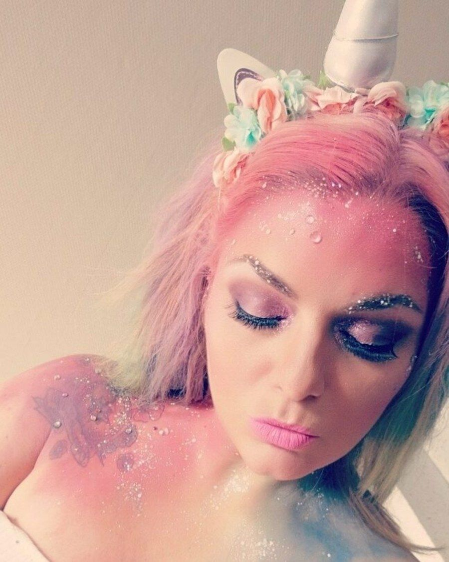 f34447744048 41 Jaw-Dropping Unicorn Makeup Ideas You Need for Halloween in 2019 ...