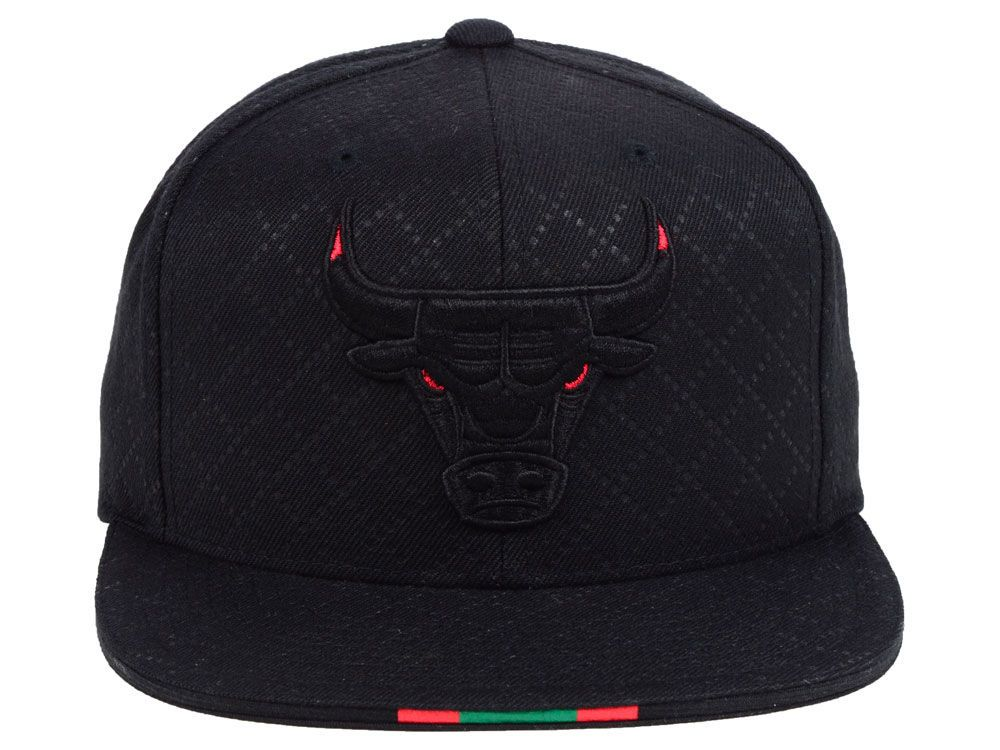 cf4389d9 Chicago Bulls Mitchell & Ness NBA Neapolitan Collection Snapback Cap ...