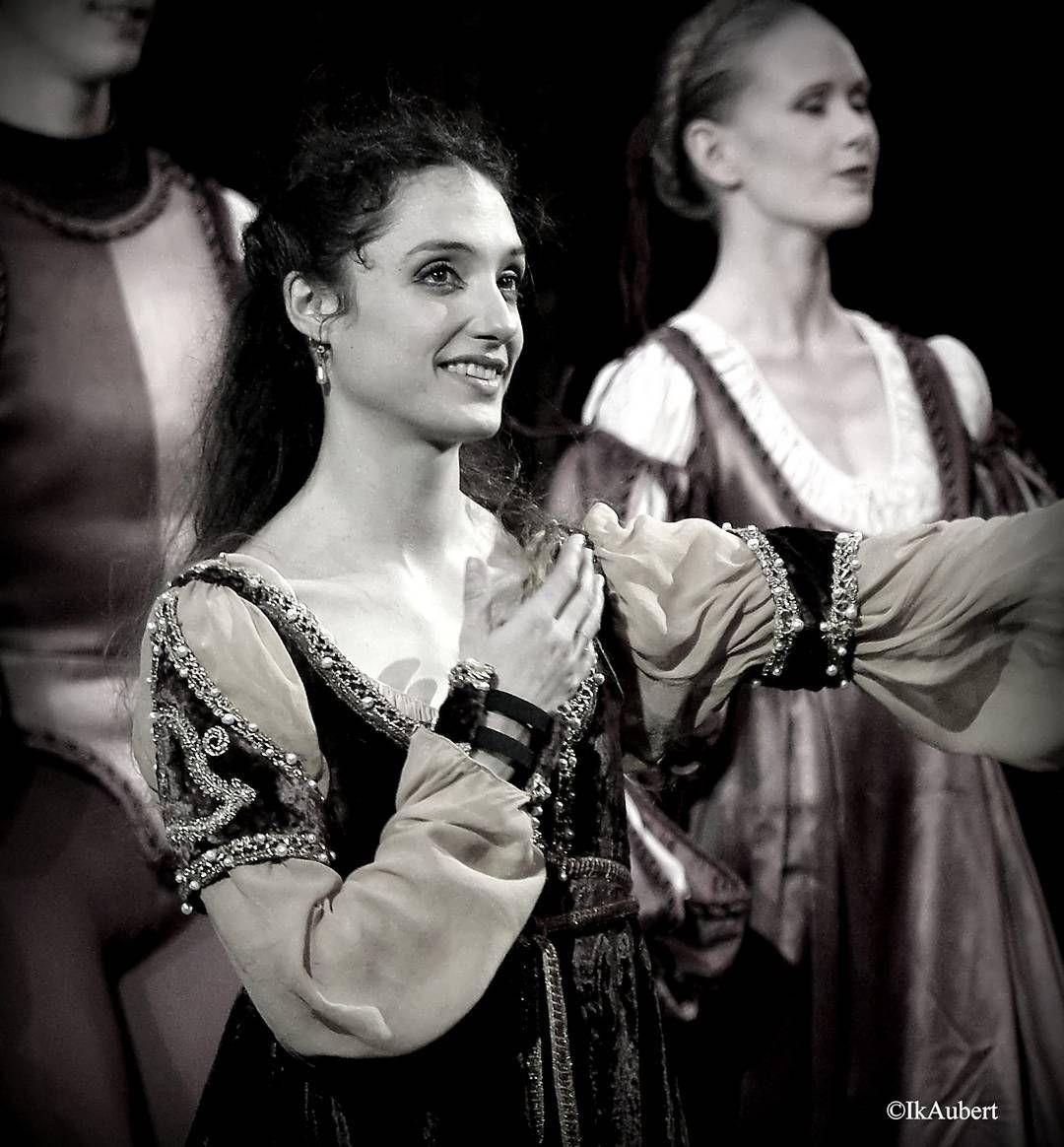 """Dorothée Gilbert """"Roméo et Juliette"""" de Rudolf Noureev 12 avril 2016 #romeoetjuliette #noureev #operabastille #operadeparis  @dorotheegilbert"""