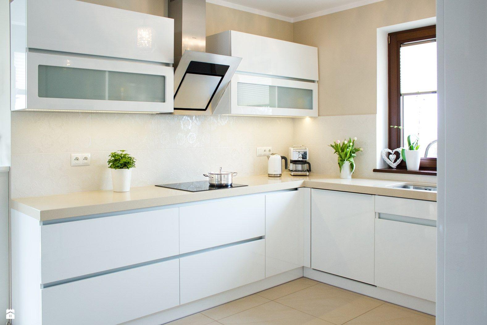Otwarta kuchnia w bieli hola design homesquare - Kuchnia W Cieszynie Zdj Cie Od Ms Meble Ma Yjurek