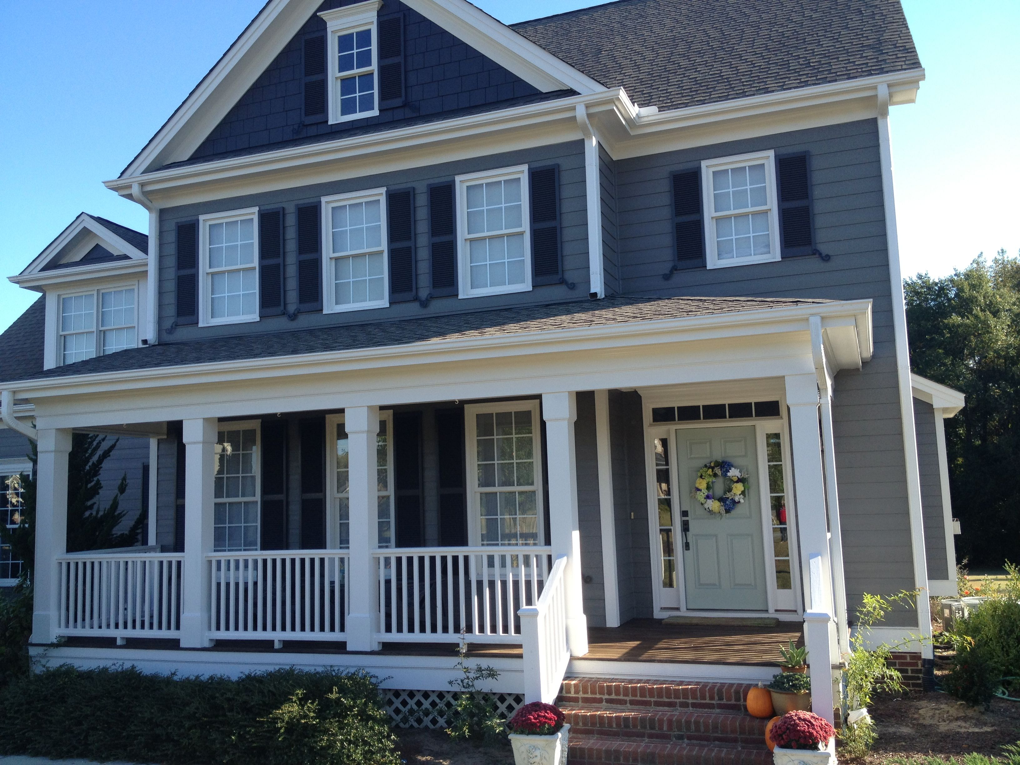 Grey house exterior paint sherwin williams emerald no - Sherwin williams exterior paints ...
