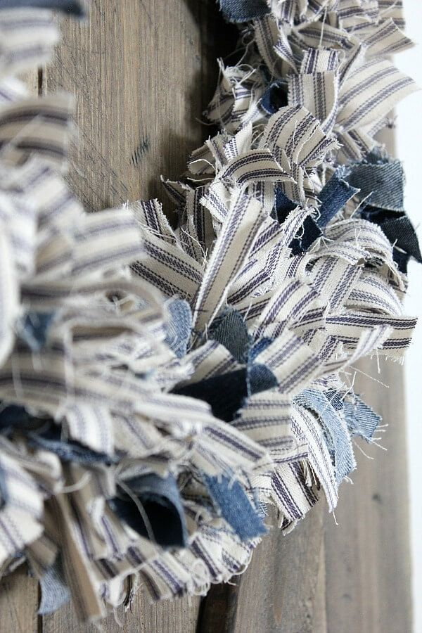 Photo of How to make a ticking stripe fabric wreath
