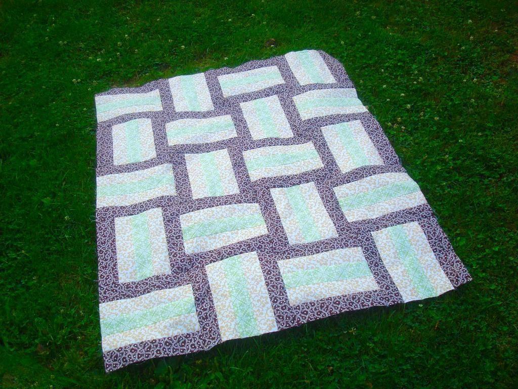 7 FREE One-Block Quilt Patterns | Rail fence, Fences and Patterns : block quilt patterns for beginners free - Adamdwight.com