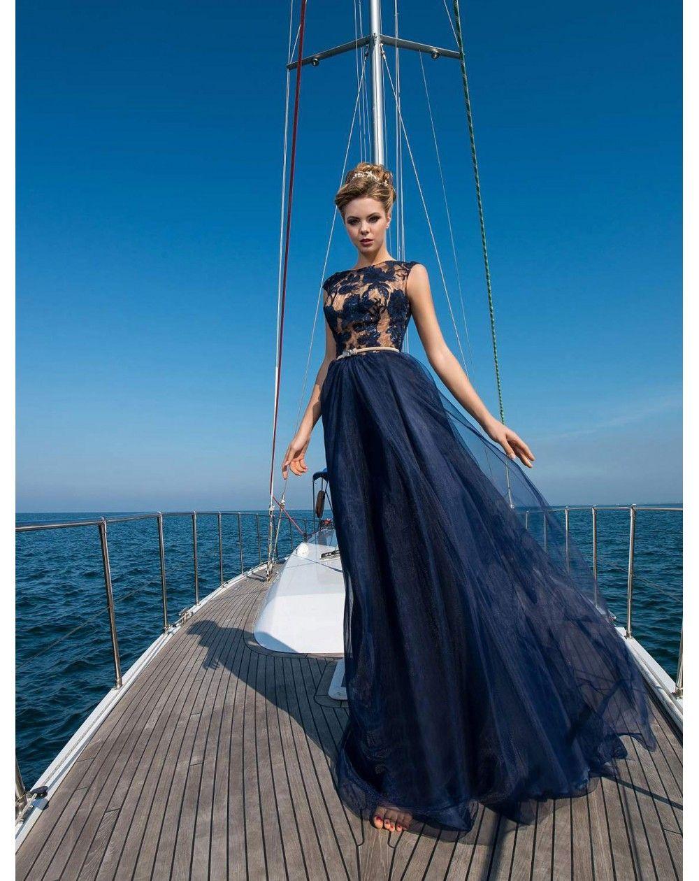 Dlhé spoločenské šaty MIMI s jemnou tylovou sukňou s vlečkou ... ef0be937843