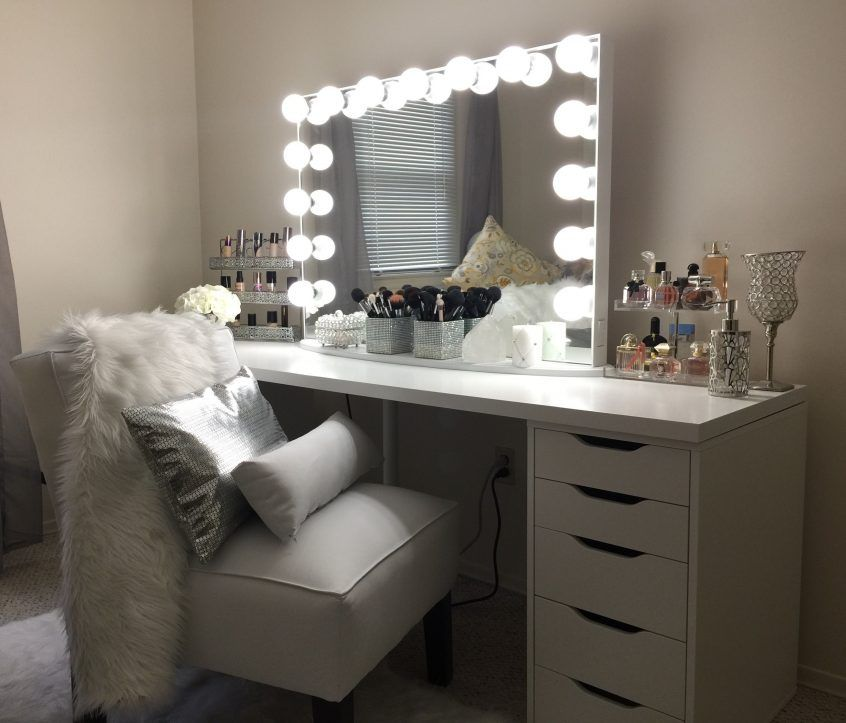 bedroom: Vanity In Bedroom White Vanity With Mirror And ...