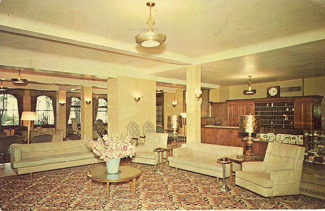 Lobby Home Lawn Mineral Springs Martinsville Indiana