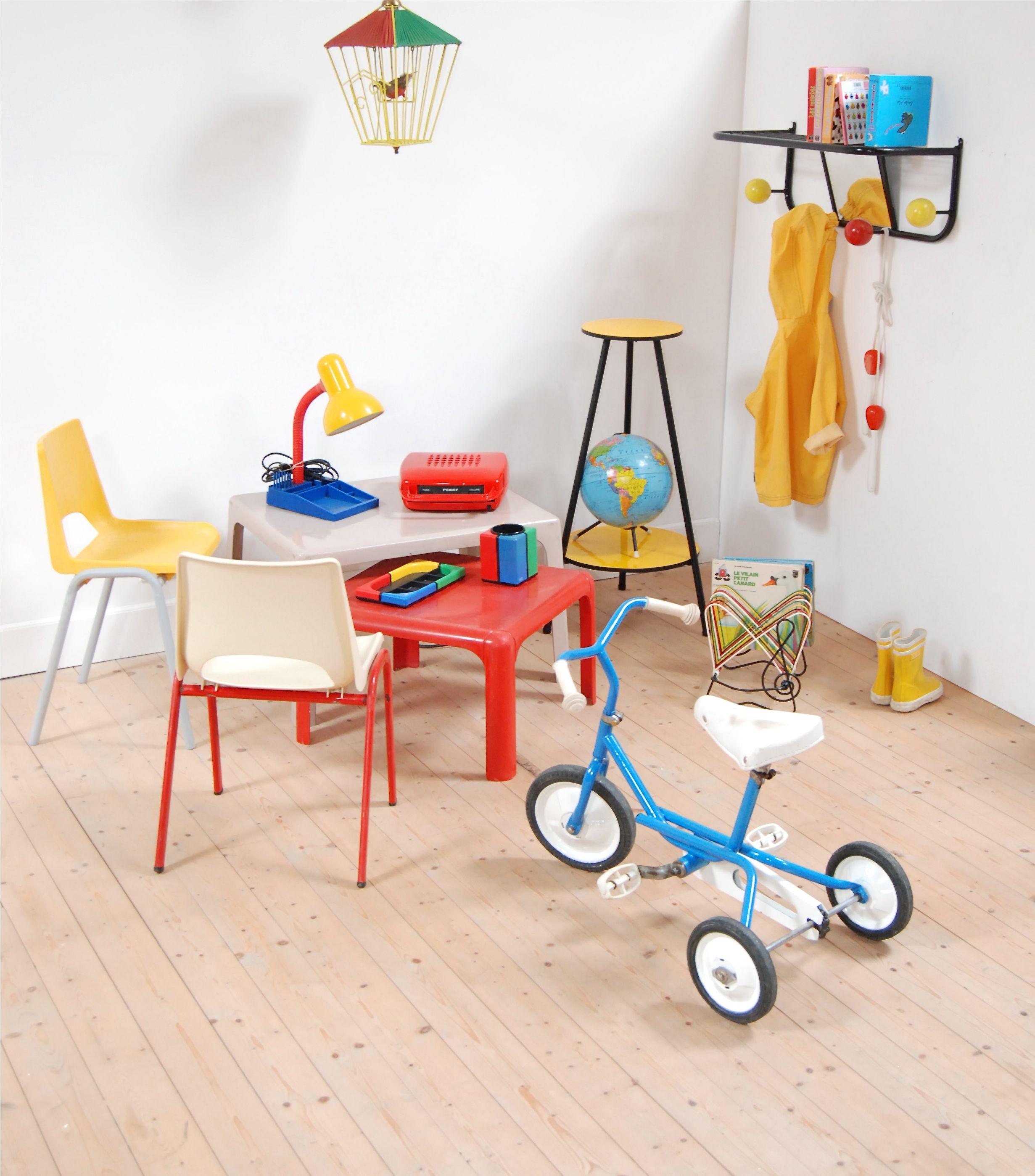 kids room, chambre d\'enfant rétro #vintage #retro #enfant #rouge ...