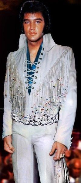 Elvis - Lace suit with a touch of blue