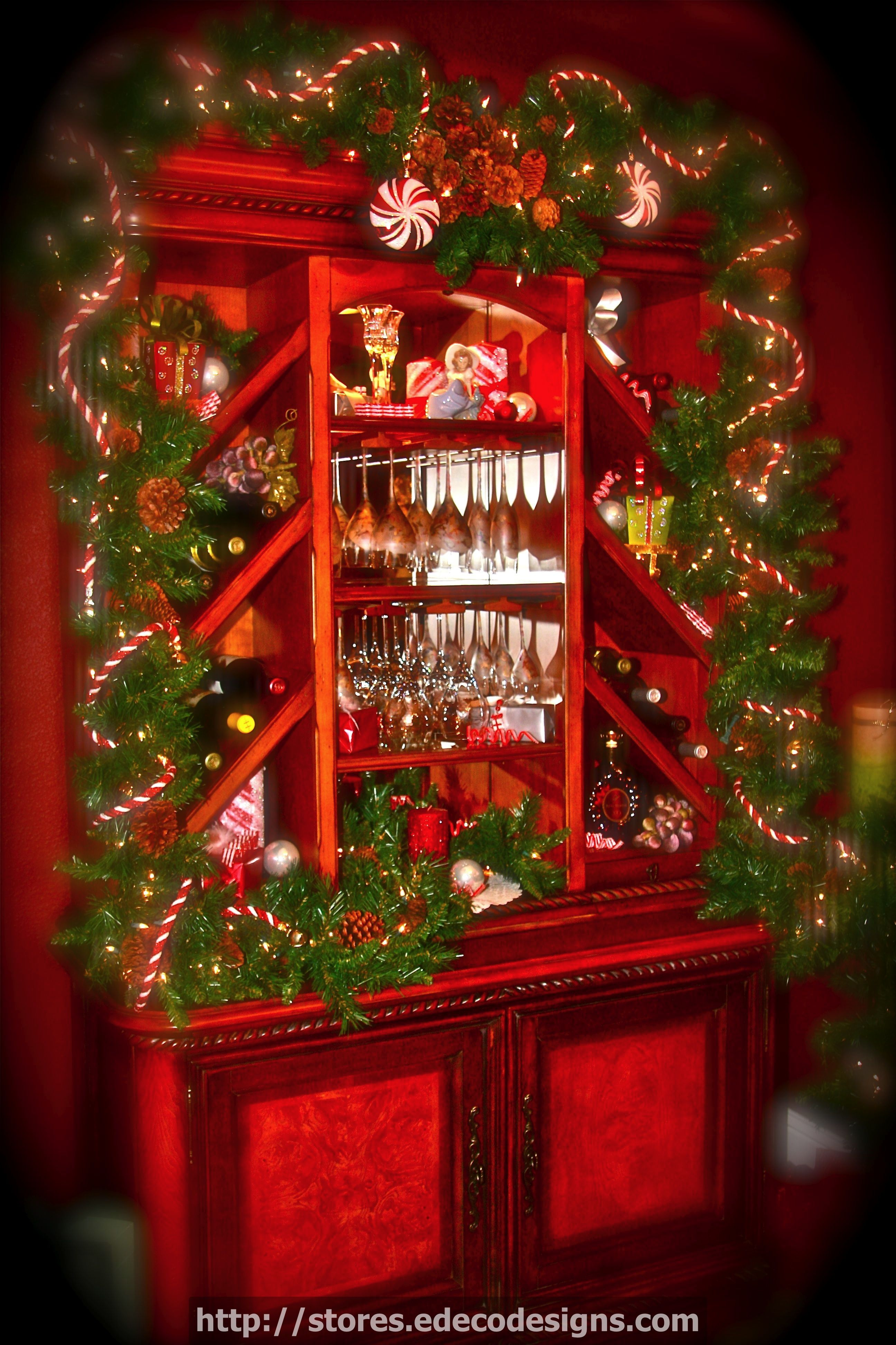 Learn How To Decorate Your Dining Room Hutch At Storesedecodesigns