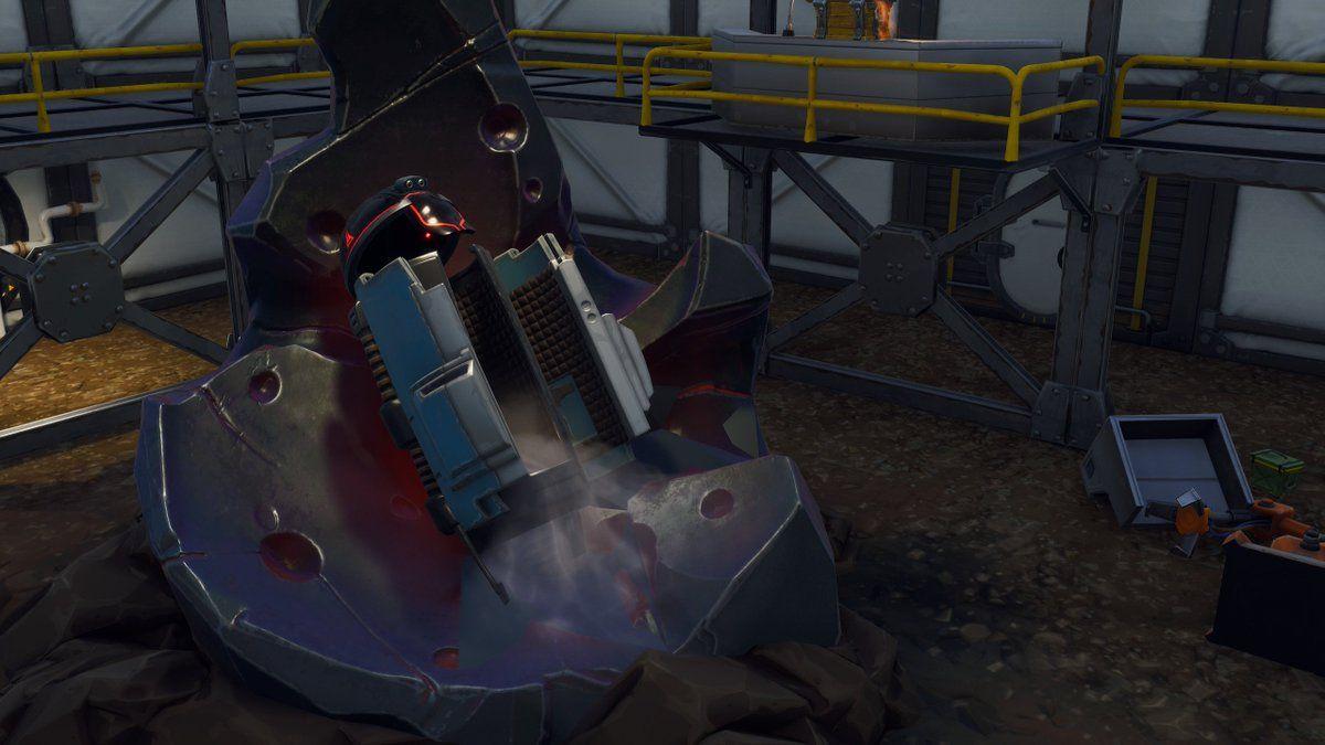 Fortnite Season 9 In-Game Live Mecha vs Monster Event