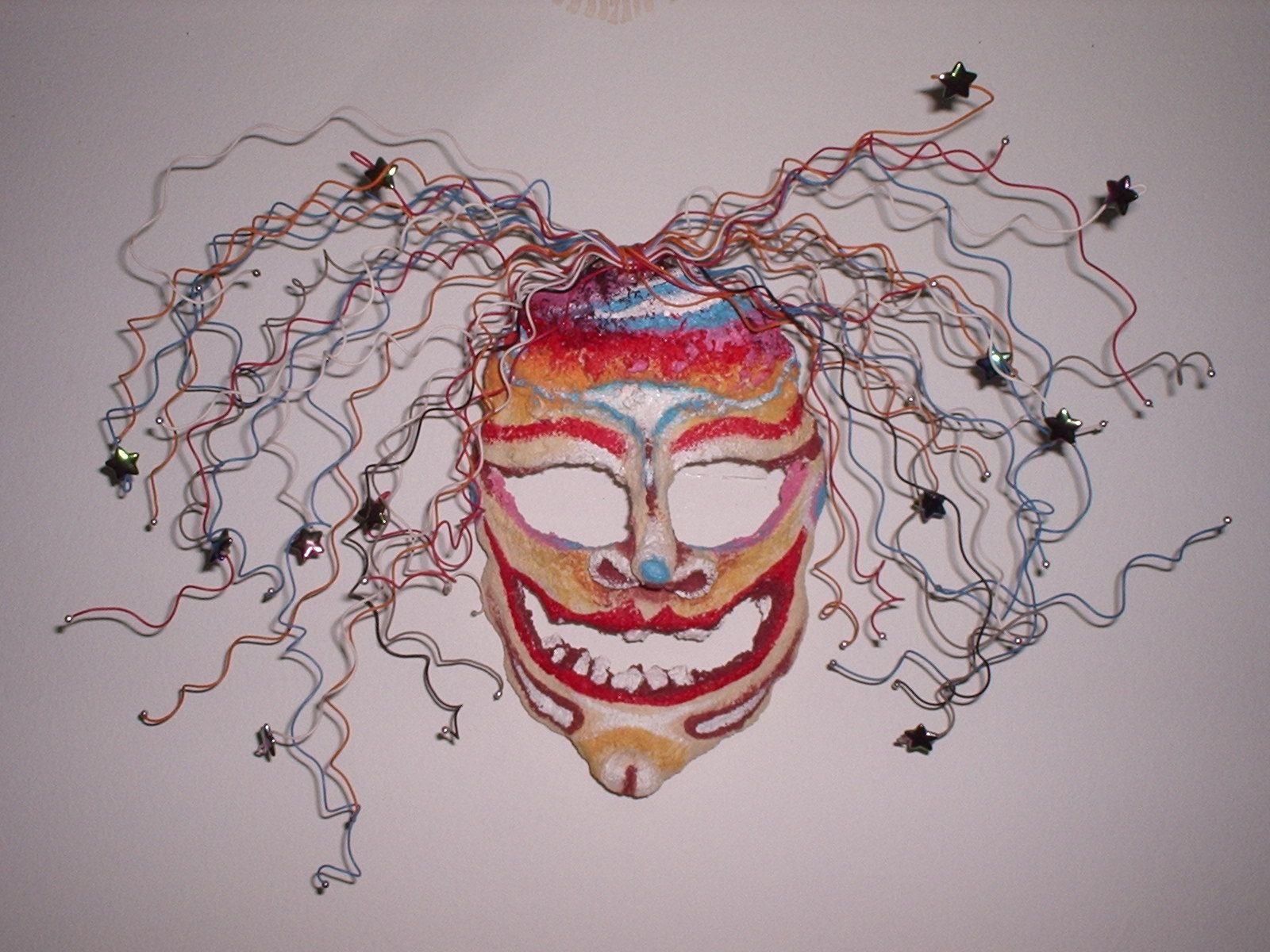 Bruxa colorida - Máscara em papel maché
