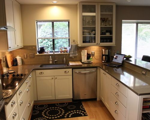 Small U Shaped Kitchen Design Ideas Amp Remodel Pictures Houzz Kitchen Remodel Small Simple Kitchen Remodel Kitchen Remodel Checklist