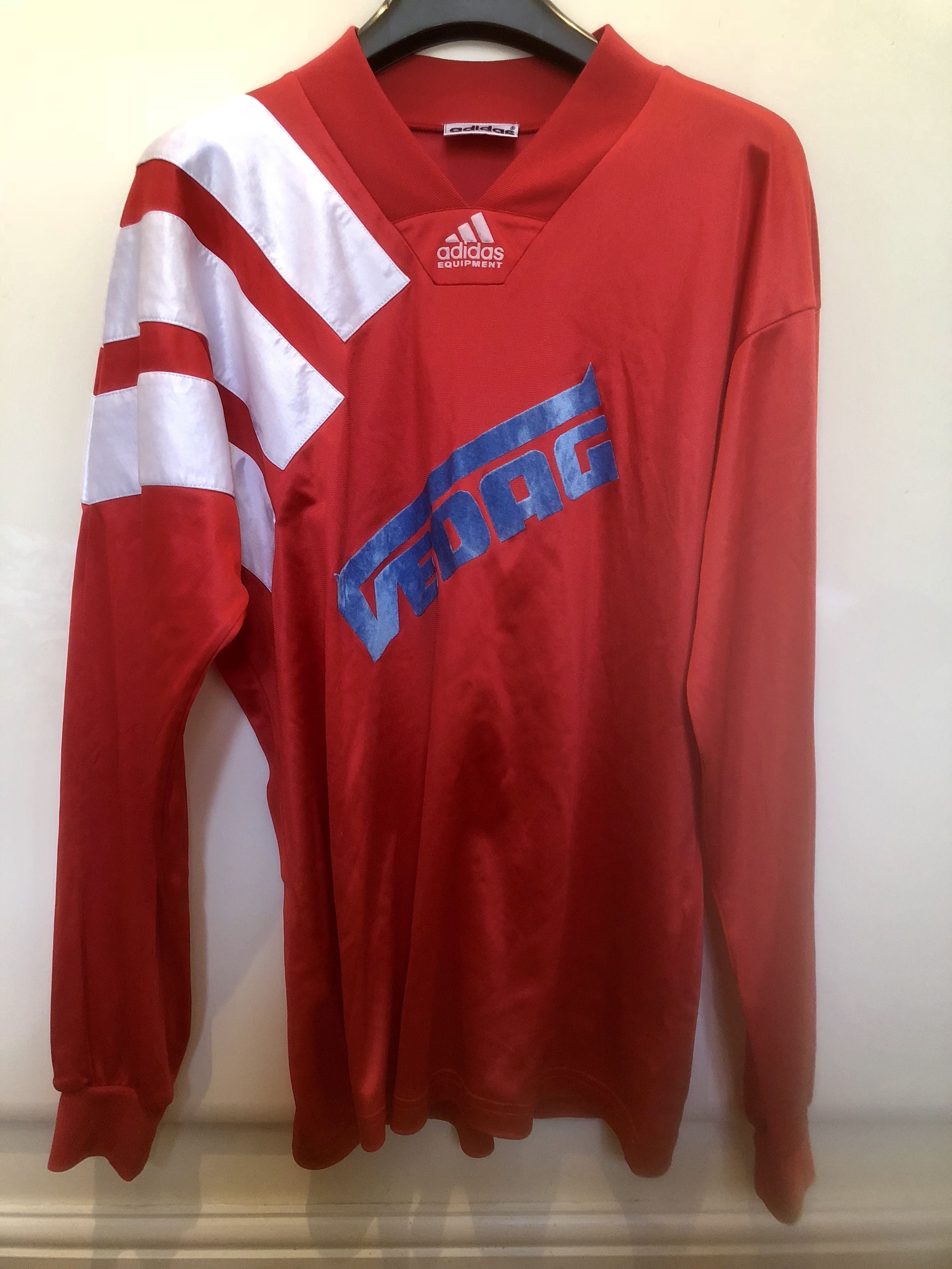 Pin by Retro Rewind on Vintage and Classic Football Shirts ... 8e2da72ef