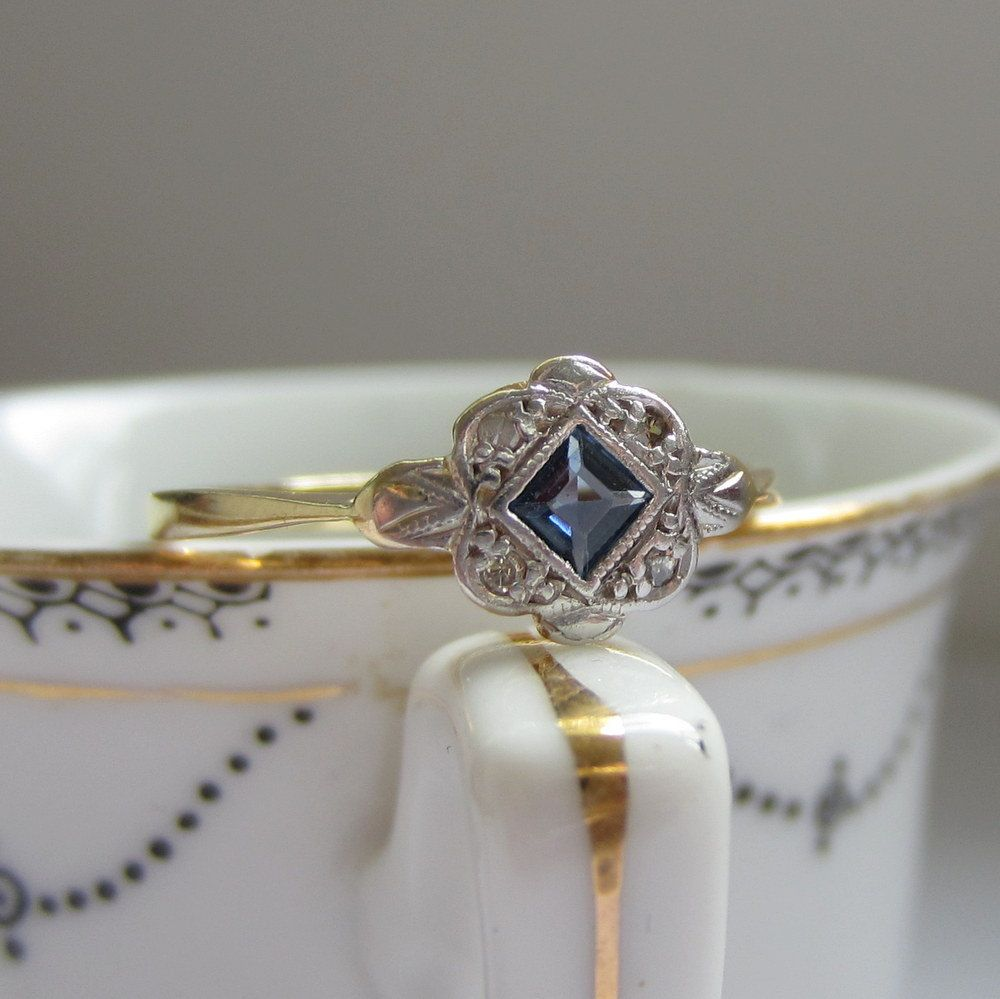 1950s Sapphire and Diamond Ring Engagement Ring in Platinum and