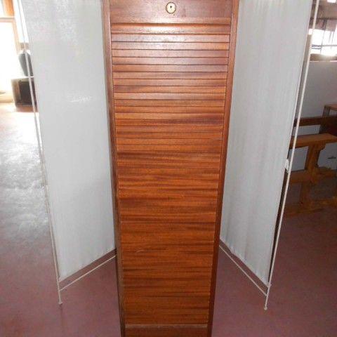 Mobiletto serrandina in legno massello seconda met 900 molteplici piani all 39 interno chiusura - Costo ascensore interno 3 piani ...