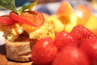 #healthylunch #eggsandwich #strawberries #lunchbox