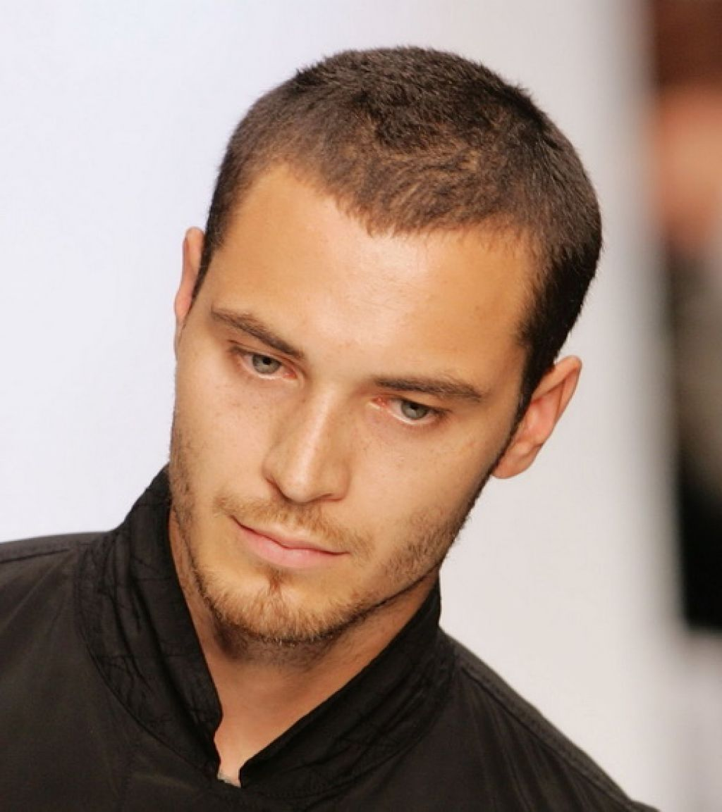 Men Shairstyle For Receding Hairline Google Search Thin Hair Men Mens Hairstyles Short Mens Haircuts Short