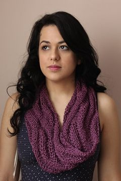 Free knitting pattern  Ashley Cowl    A reversible, textural infinity cowl for Spring!