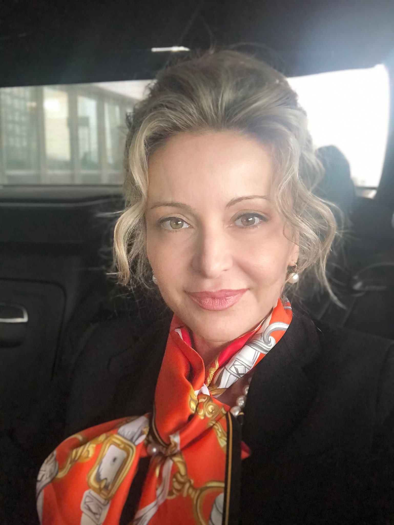 Sandra Navidi @SandraNavidi As the #WEF2020 in #Davos2020 comes to a close, I'm on my last leg but deliriously happy about the unique experience and all the wonderful encounters! Here on the 2.5-hour car-ride from the #WEF in #Davos to Zürich Airport to take off for #London. #SuperHubs