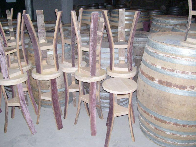 1344 sgabelli grezzi con piedi da barrique usate pronti per la
