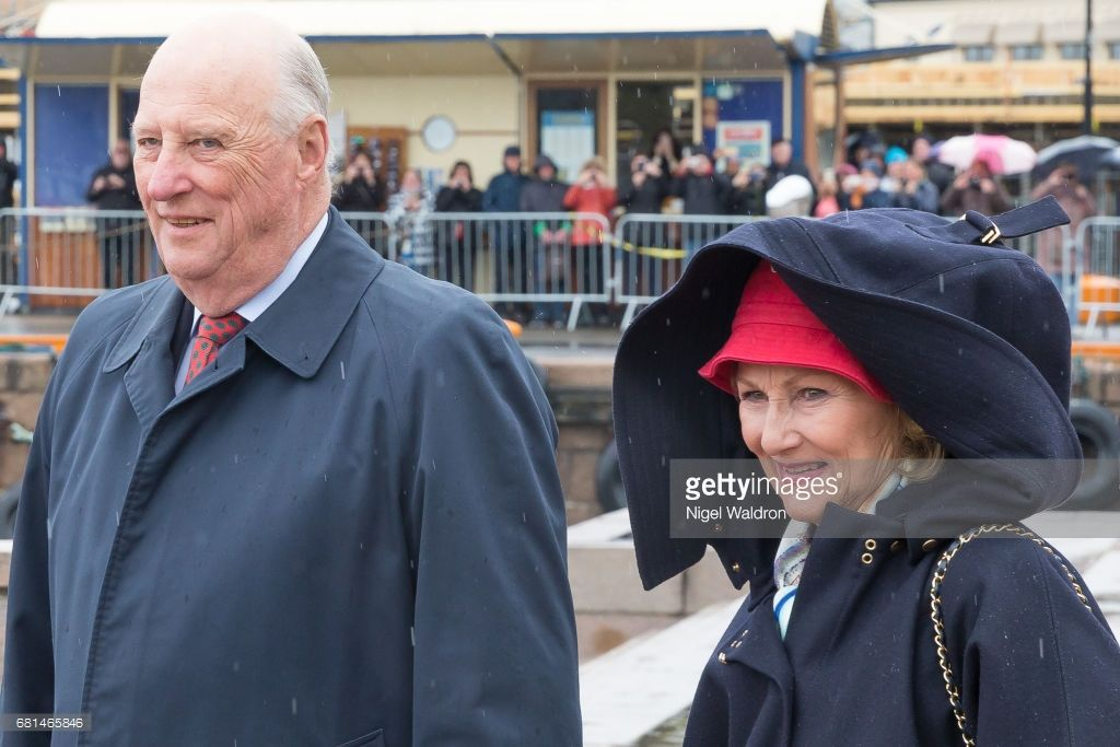 King Harald of Norway and Queen Sonja of Norway attend  a lunch on the Royal yacht, Norge, on the occasion of their 80th birthday celebration, on May 10 2017 in Oslo, Norway. (Photo by Nigel Waldron/ Getty Images)