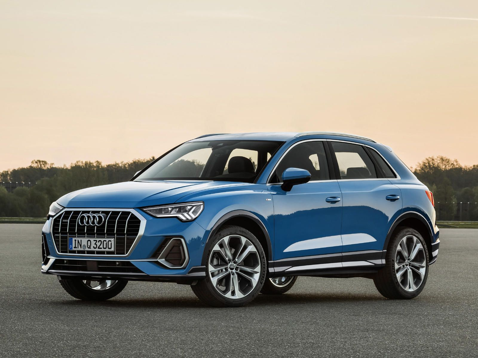 All New 2019 Audi Q3 Is Slightly Bigger And Even Sleeker Audi Q3 Audi Cars Luxury Suv