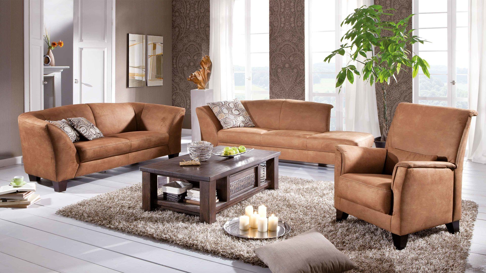 sessel recamiere und ein 2 5 sitzer sofa bilden diese schicke woods trends polsterkombination. Black Bedroom Furniture Sets. Home Design Ideas