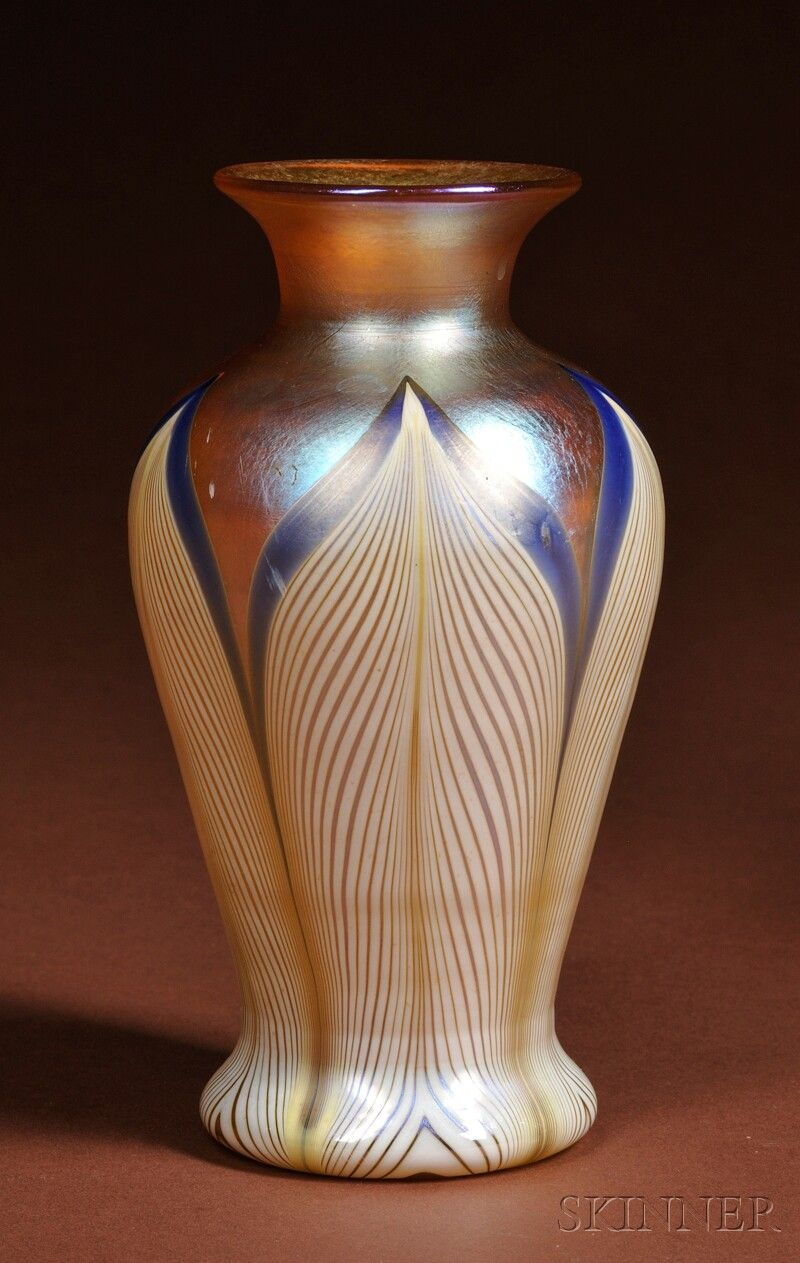 Durand peacock feather glass vase new jersey gold iridescent durand peacock feather glass vase new jersey gold iridescent baluster form body with five pulled reviewsmspy
