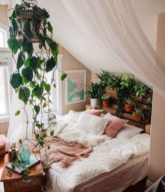 what you need to know about home decor ideas diy apartments small spaces living also rh pinterest