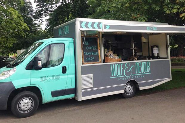 1644f430a57872 15 Delicious and Fun Wedding Food Trucks for your Wedding