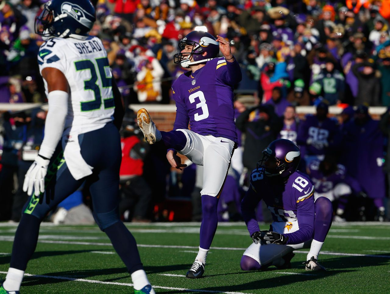 Video Wide Left Vikings Walsh Misses Chip Shot Fg Attempt To Seal Seahawks Win Nfl Preseason Nfl Seattle Seahawks Funny